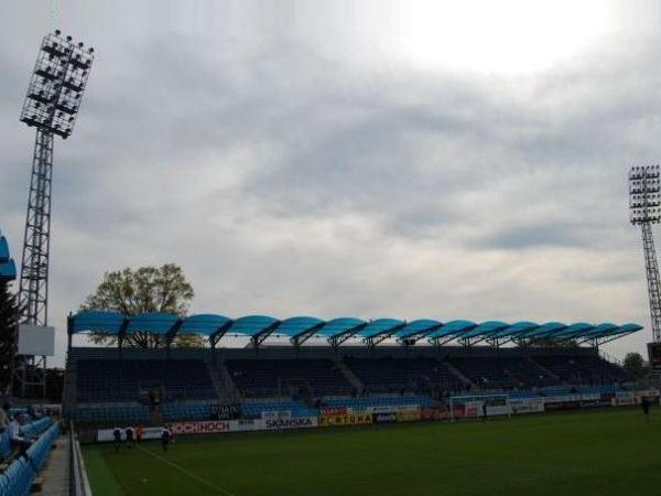 Fotbalový stadion St?elecký ostrov