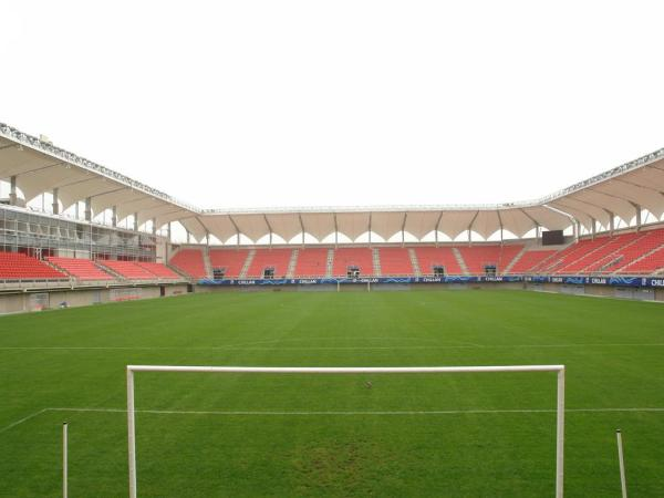 Estadio Bicentenario Municipal Nelson Oyarzún