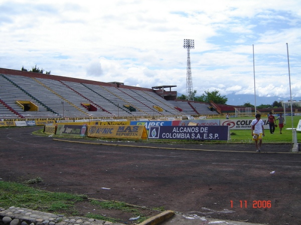 Estadio Guillermo Plazas Alcid